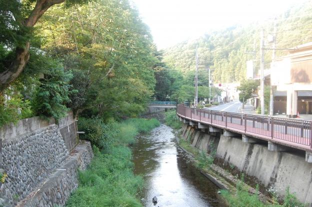 高尾山口の川