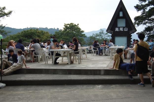 高尾山ビアガーデン/ビアマウント霞台展望台前の様子