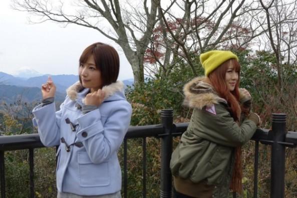 富士山でポーズ